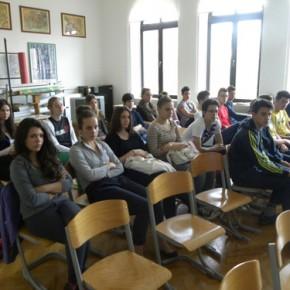16 aprile - Rovigno - gli studenti delle scuole italiane di Rovigno