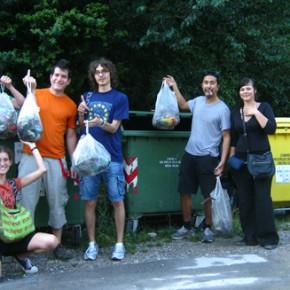 Foto di gruppo dopo una giornata di lavoro....