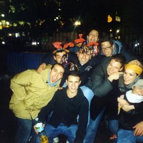 """Gruppo di """"amigos"""" nella notte madrilena."""