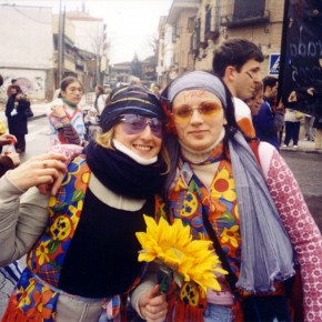 Con l'amica Lorena durante il carnevale.