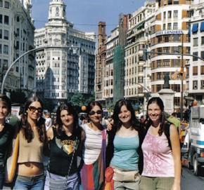 Con le amiche volontarie a Valencia.