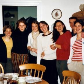 La gang dei volontari in cucina
