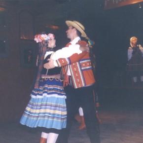 """Ultima serata del """"on arrival seminar"""" con cibo e danze tipiche polacche."""