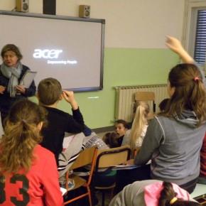 20.11.15 - lezione europea presso la scuola Carlo Lona di Opicina, con la collaborazione dello sportello FIESTA