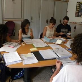 La lettura di tutti i documenti ufficiali, i diritti e i doveri dei volontari