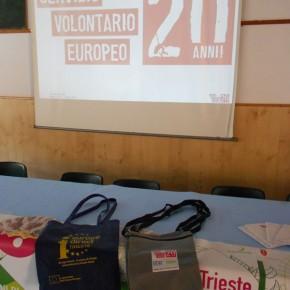 ...festeggiando i 20 anni del Servizio Volontario con i gadgetEuropeo