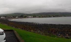 Macchina presa a noleggio e spiaggia a Ballygally