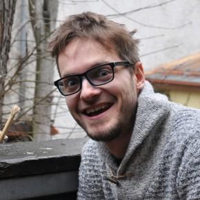Davide  con Peko, un essere soprannaturale ciccino del sud dell'Estonia!