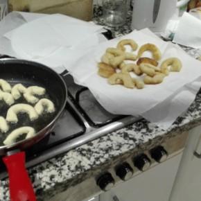 Cucinando chifeletti triestini per la vigilia