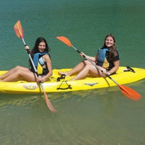Kayak con la mia compagna di viaggio tedesca Linda nel lago del Chorro