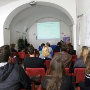5.5.17 - Intervento della rete Euraxess sulle opportunità per i ricercatori