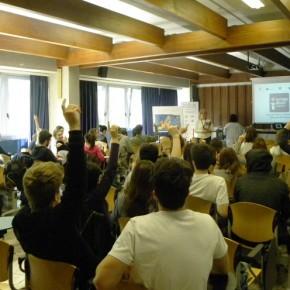 15.5.17 - incontro al Liceo Petrarca, si parla di Europa