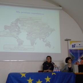 5.5.17 - Ecco Susanna - ricercatrice - racconta le sue esperienze all'estero